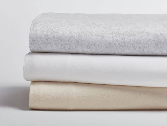 Coyuchi Cloud Brushed Flannel Crib Sheet - Undyed