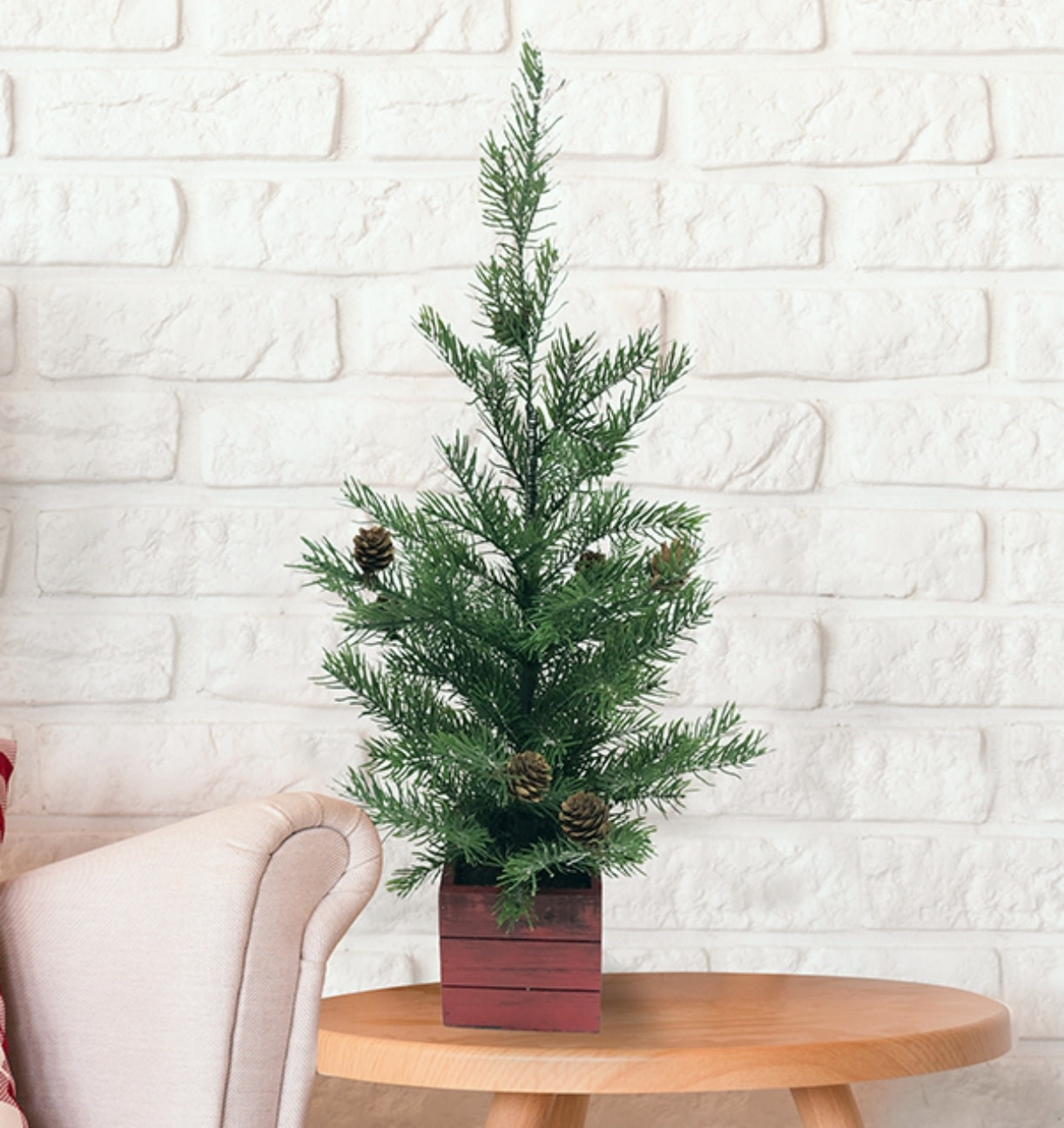 Mini Christmas Tree In Wooden Red Box Base 24 Mp8 Oxford Mills Home Fashion Factory Outlet And Beddington S Bed Bath