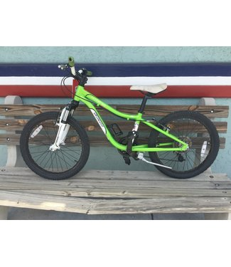 Specialized Specialized Hotrock 20 inch 6 speed green