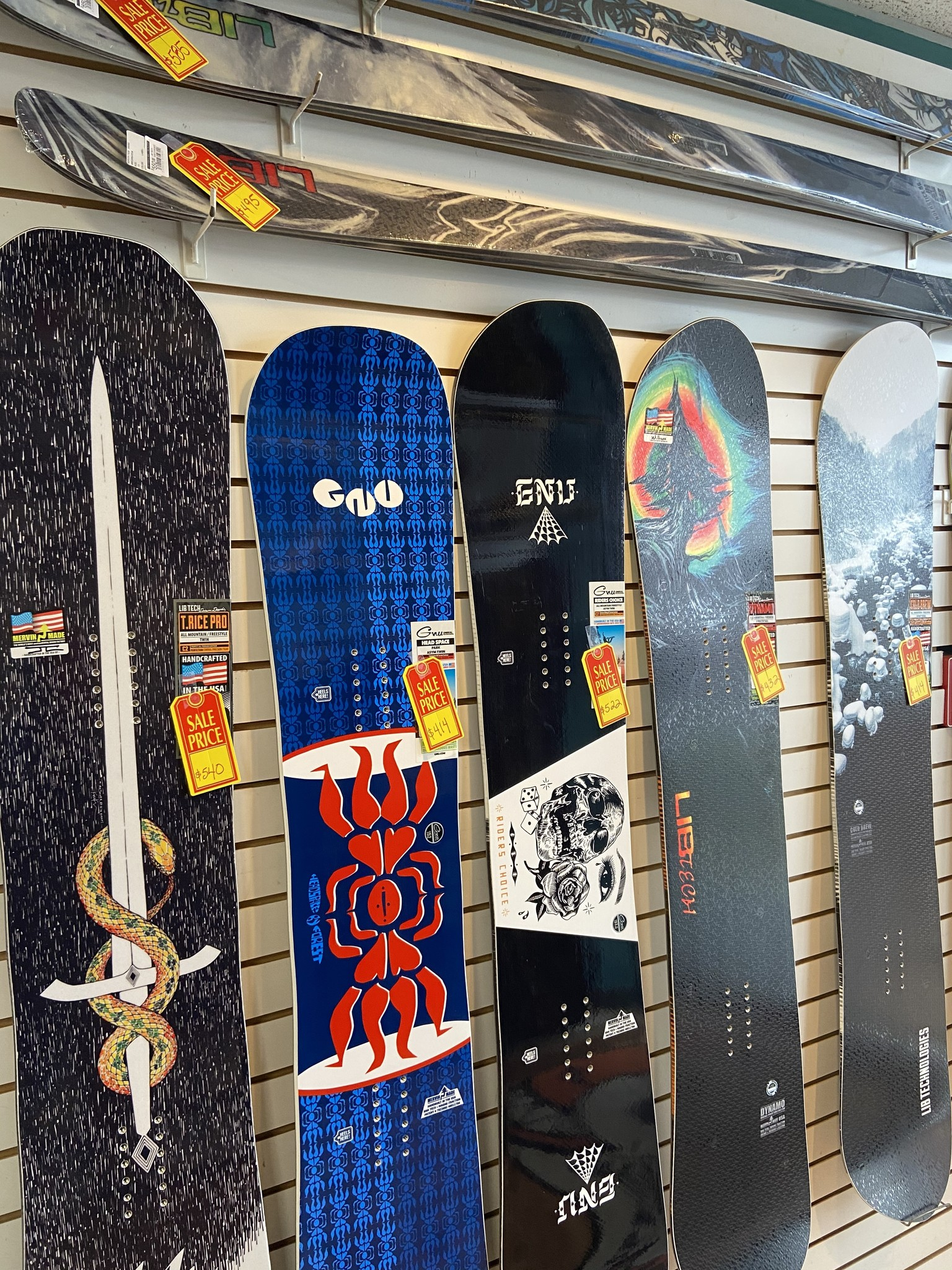 used skis & snowboards