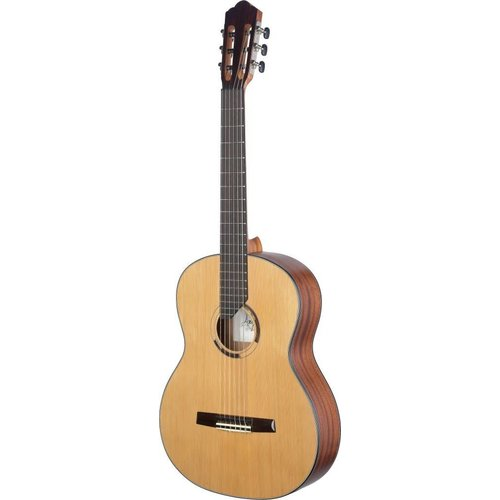 Stagg Eresma series classical guitar with solid cedar top, lefthanded model