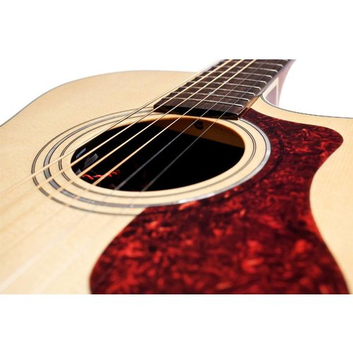 Guild OM-140CE Natural, Westerly 140 Series All Solid Orchestra Style Cutaway Acoustic/Electric w/Case
