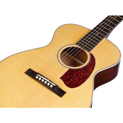Guild M-40 Troubadour Natural, USA Series, Concert Style Acoutstic, All Solid Mahogany B&S/Sitka Spruce Top, w/Case