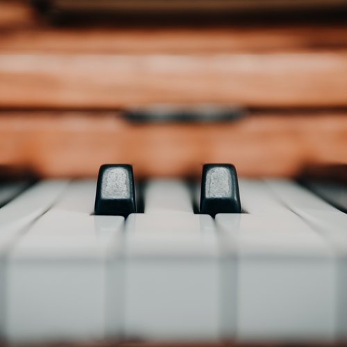 Pianos, Keyboards, Controllers & Synthesizers