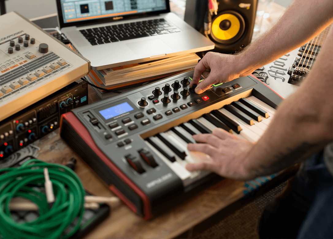 Novation Impulse 25 Review   Is It Right For You?