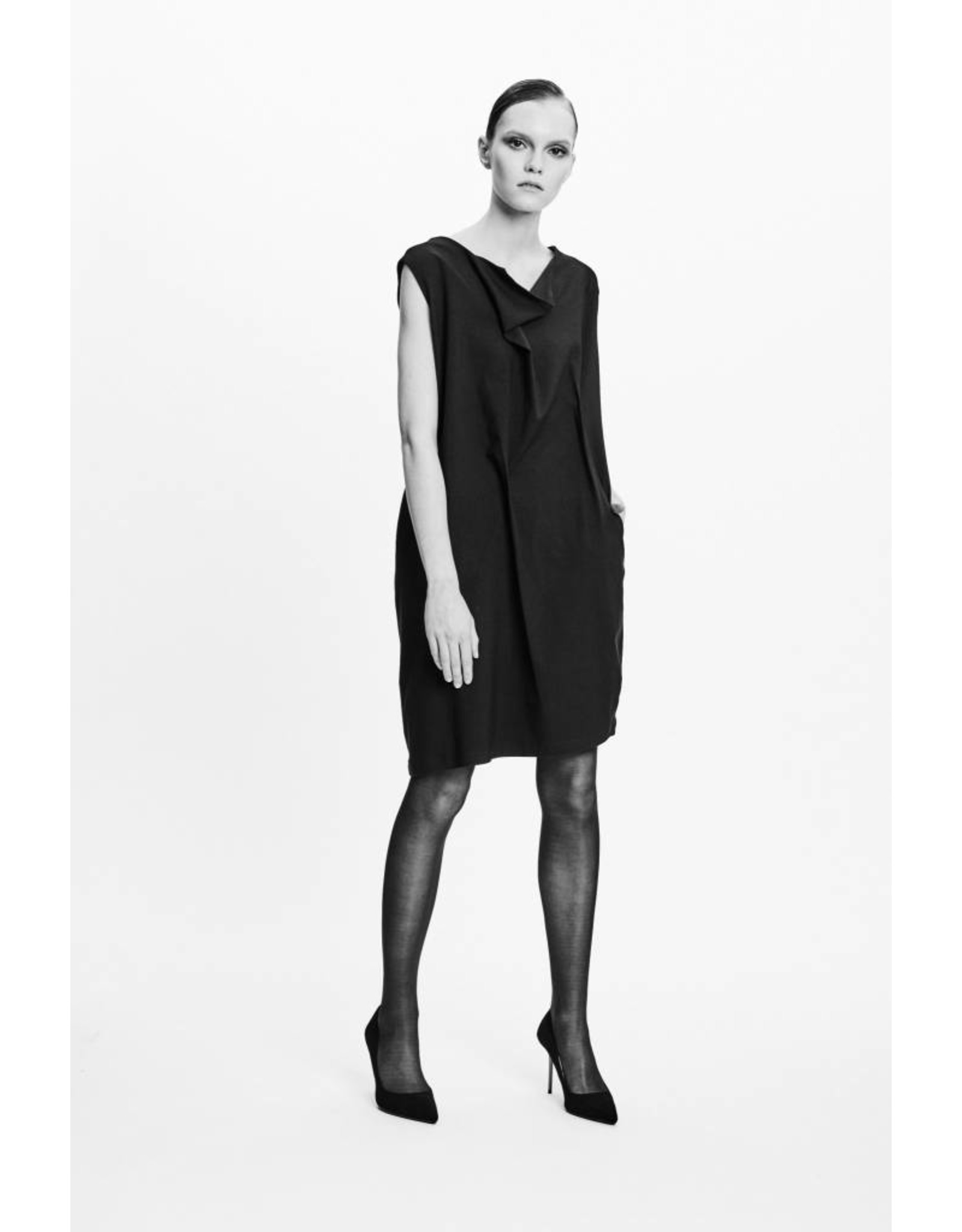 Studio Di Perla Sleeveless Shift Dress