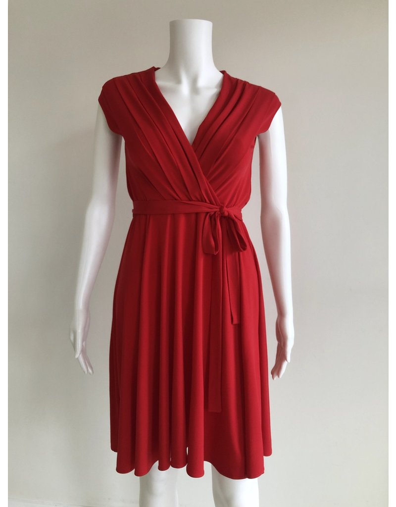 Orion Lulu V-neck Pleated Dress Red