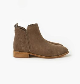 Walnut Douglas Boot