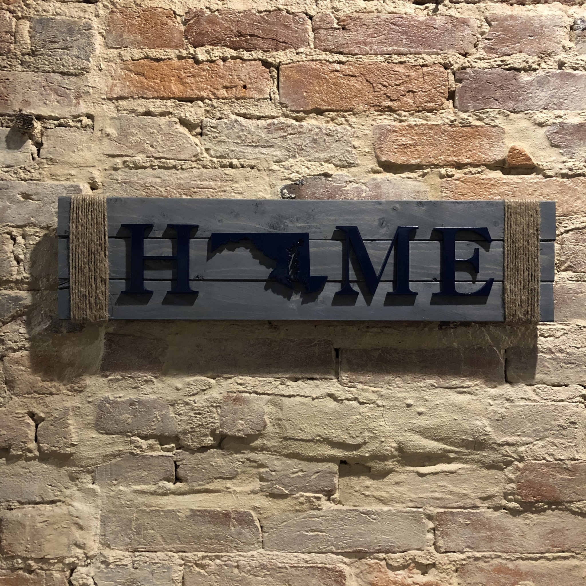 LeRoy Woodworks Maryland Rope Home Sign - Stained Grey