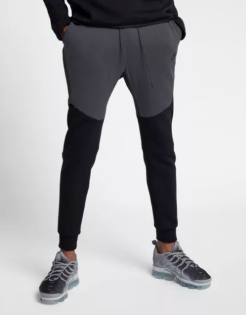 nike tech fleece jogger carbon