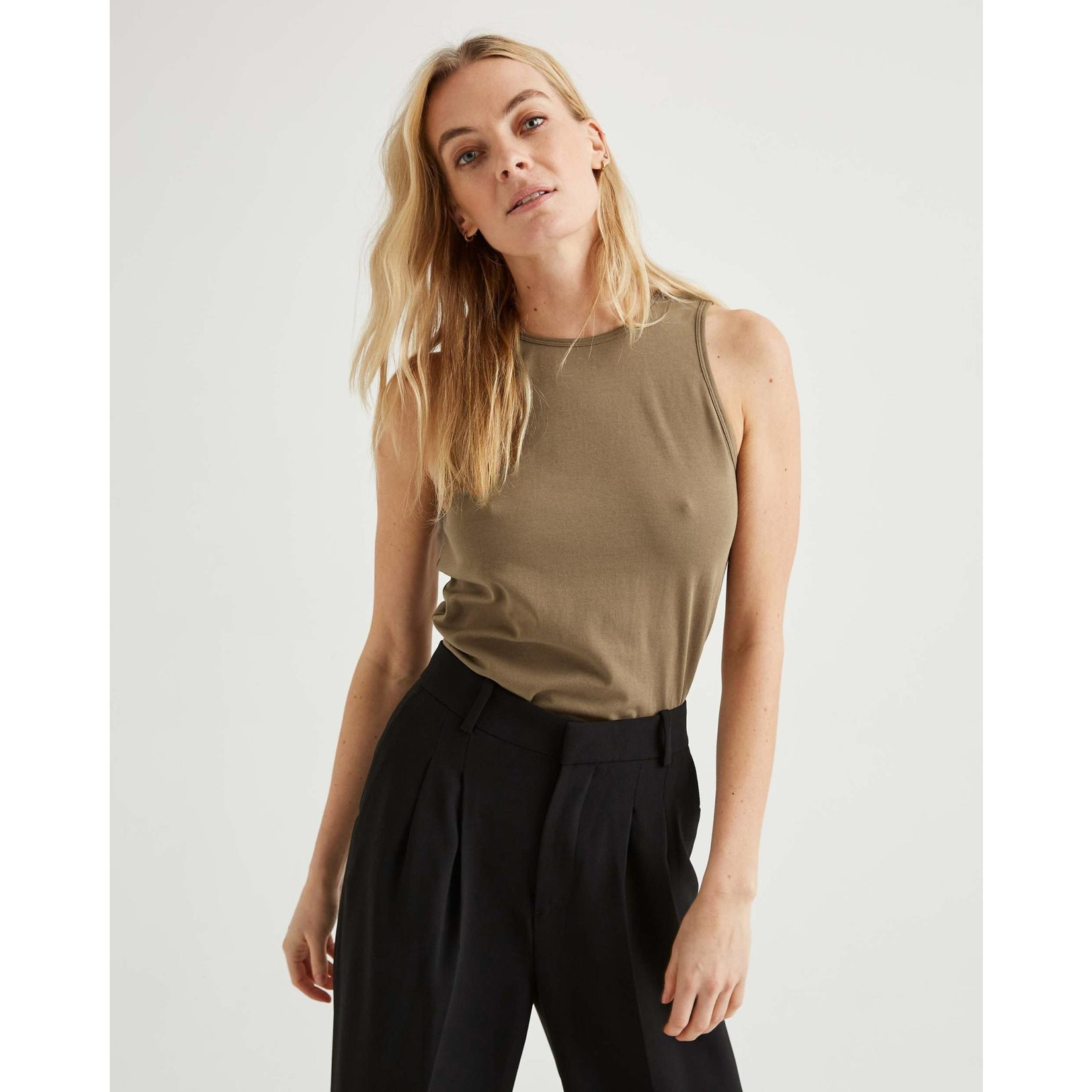 Richer Poorer Backless camisole cub S