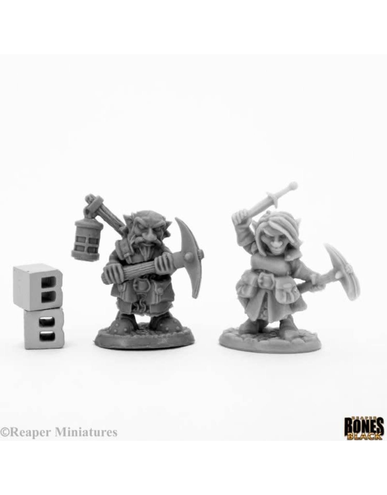 Reaper Miniatures Bones Black: Deep Gnome Heroes