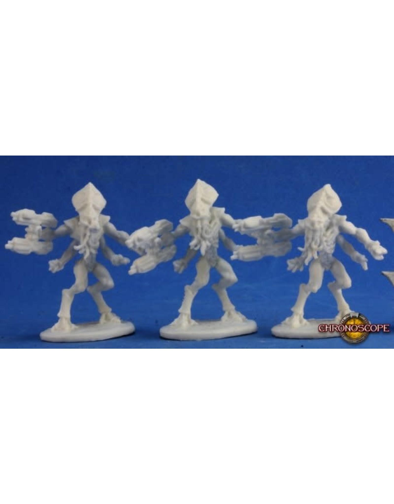 Reaper Miniatures Bones: Kulathi Invaders Right Handed (3)