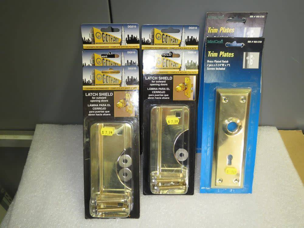 GOTHMAN LATCH PROTECTOR BRASS PLATED