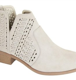 Trusted Heart Side Cut Ankle Booties- Sand