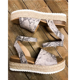 Doing Well Strappy Espadrilles - Snake