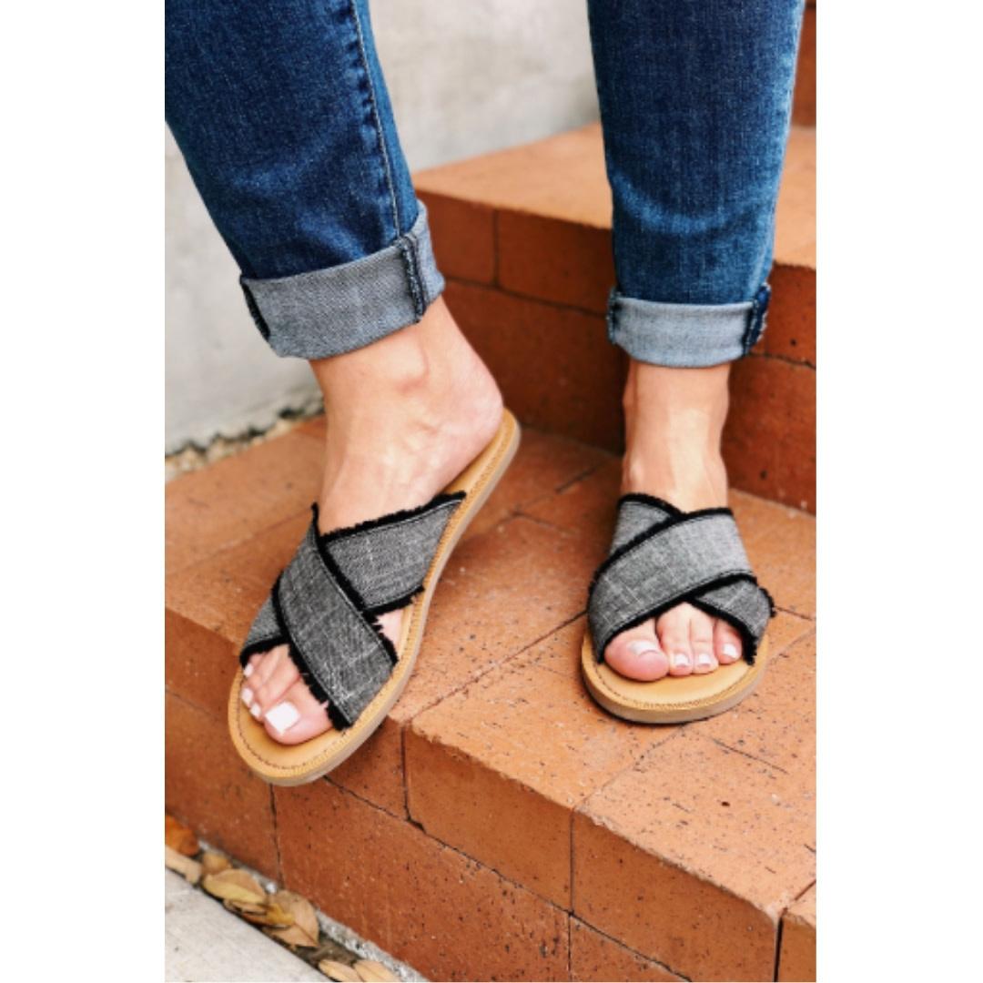 6daca87a404 TOMS Women's Viv Sandals- Black Woven Geometric
