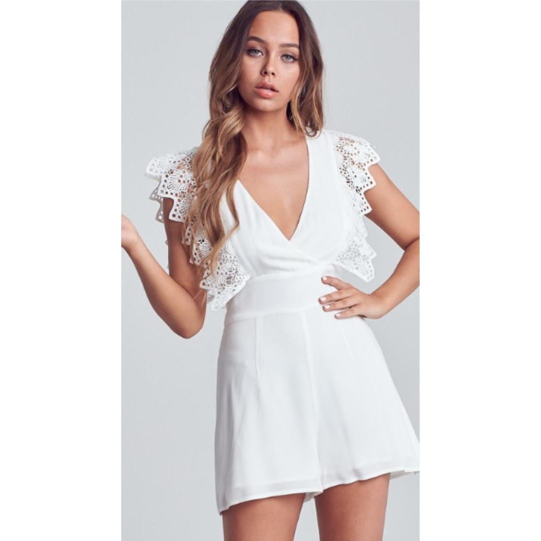 I'm Dreaming Crochet Sleeve Romper - Off White