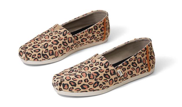 TOMS Leopard Printed Microfiber Women's Classics - Desert Tan