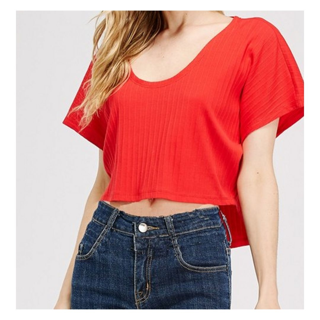I Know About Us Knit Rib Hi-Low  Crop Tee - Red