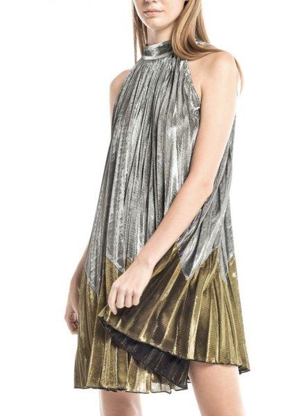 Metallic Sleeveless Pleats Dress