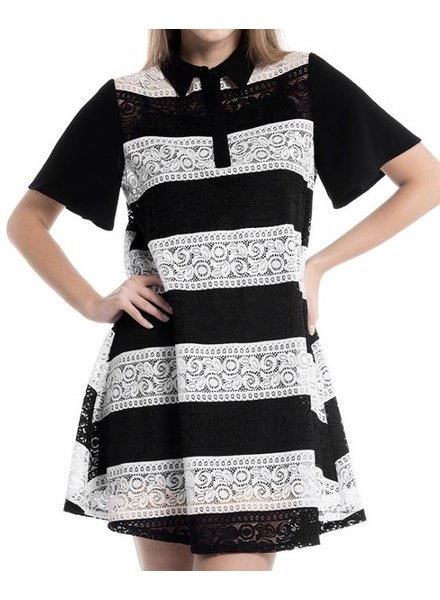 Short Bell Line Sleeve Lace Dress