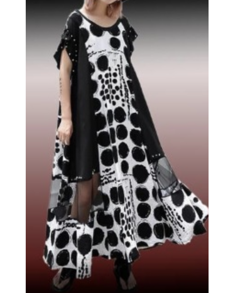 Black and White <br /> Over size dress