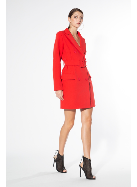 Notch collar coat with flap pockets.