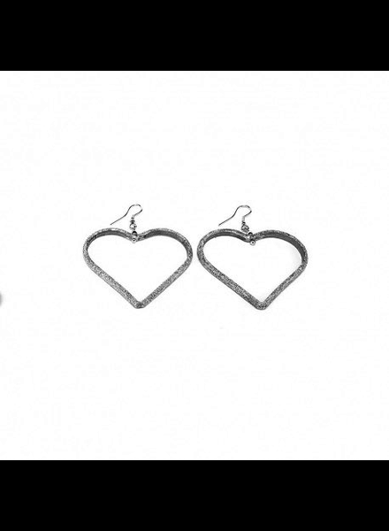 EMPTY MEDIUM HEART EARRING