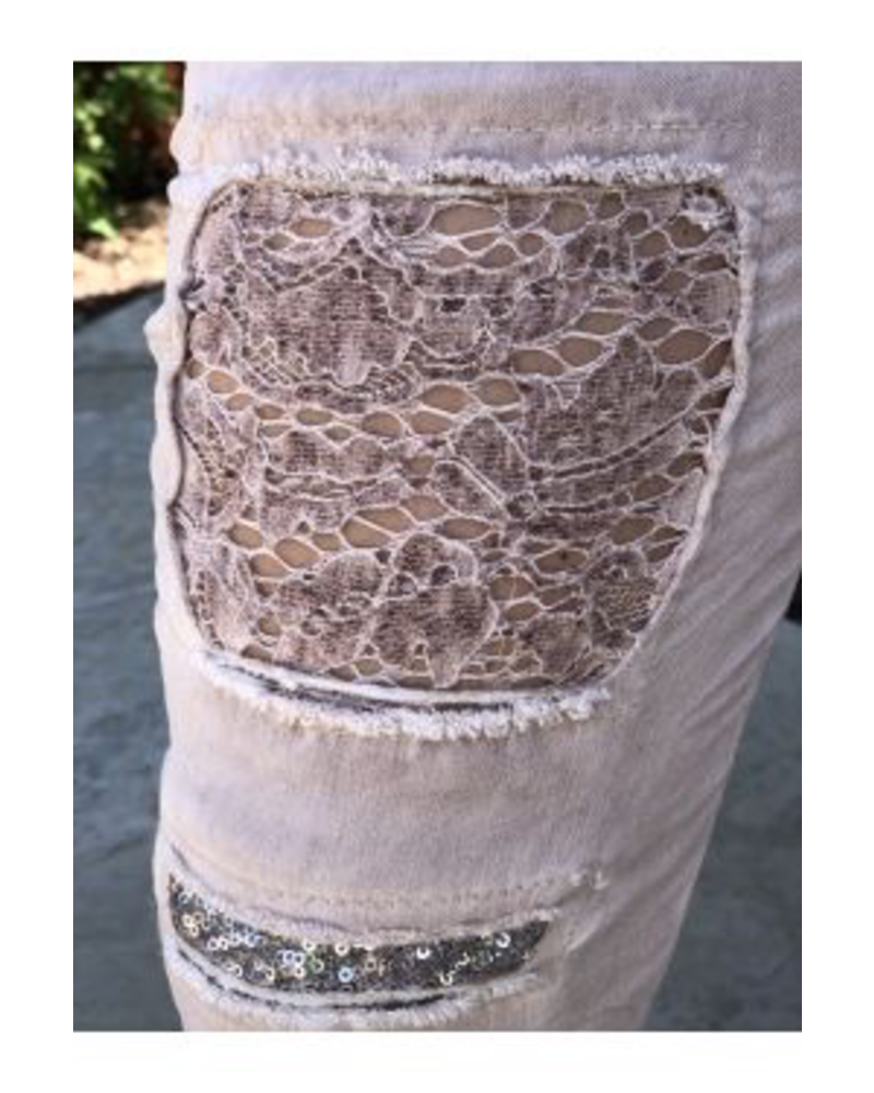 JEGGING PANTS WITH LACE AND RIPPED DETAIL