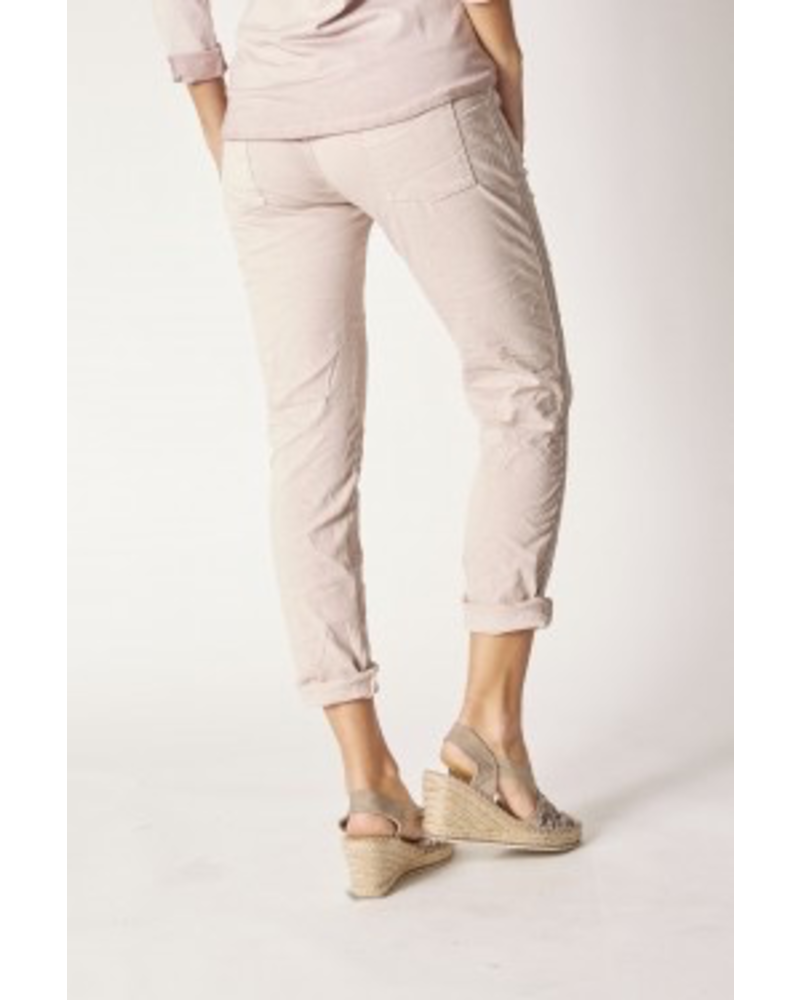 JEGGING PANTS WITH WRITING AND LACE