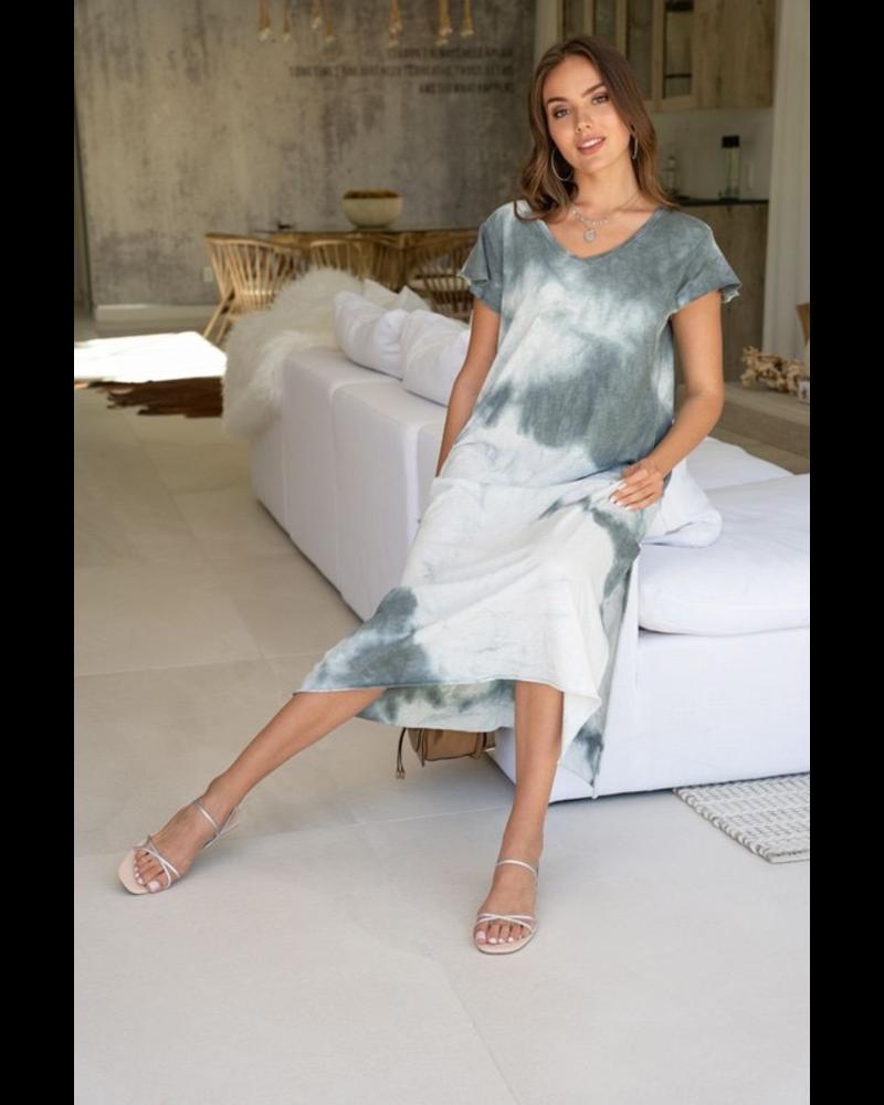 CLOUD TIE DYE V NECK SHORT SLEEVE MAXI DRESS