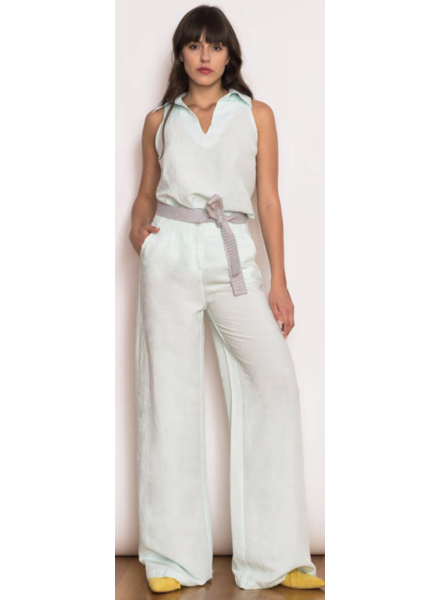 wide legged minimalistic Pants