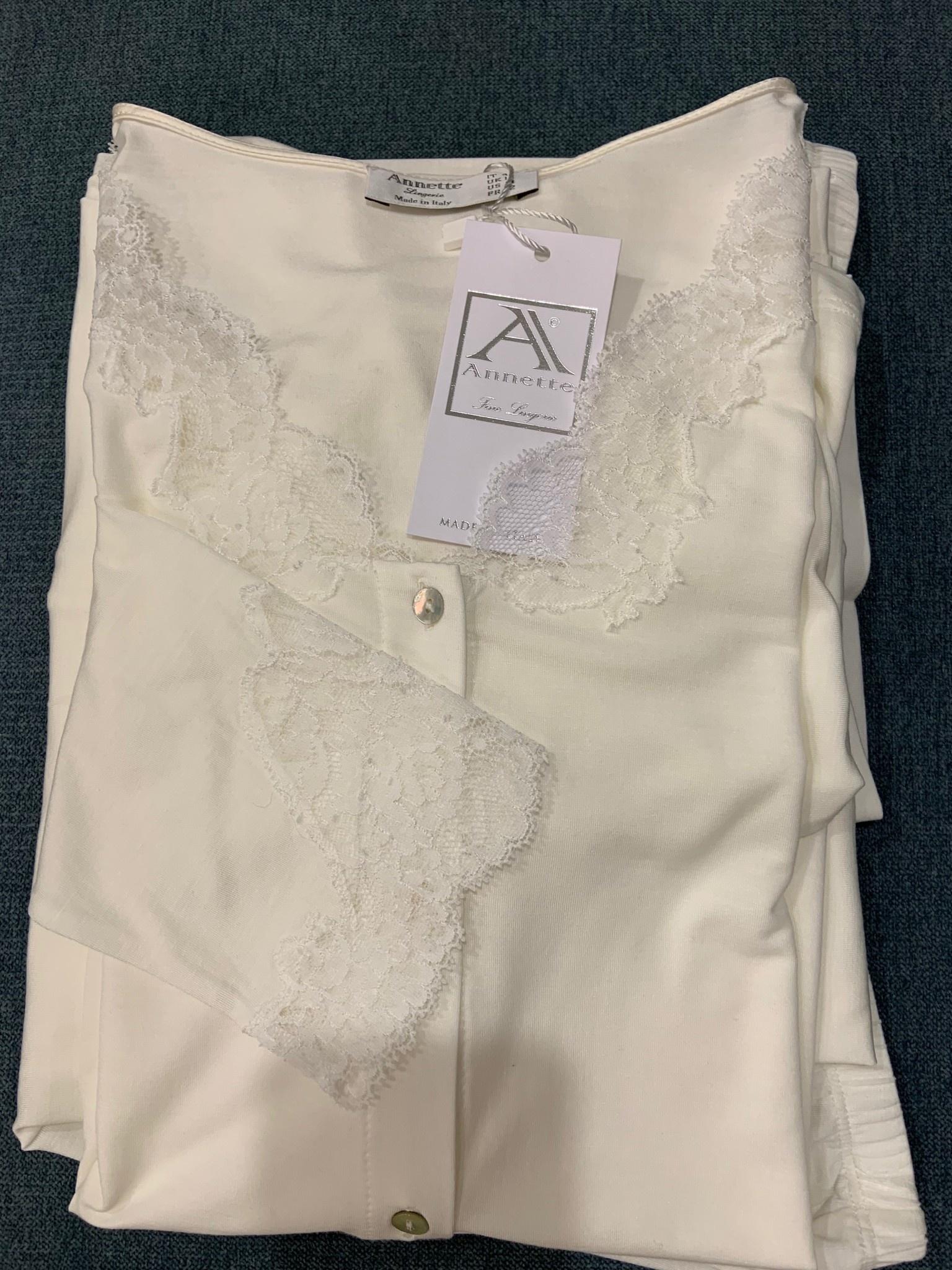 Annette Annette Maglia Long Sleeve Button Down Lace PJ Panna 1817