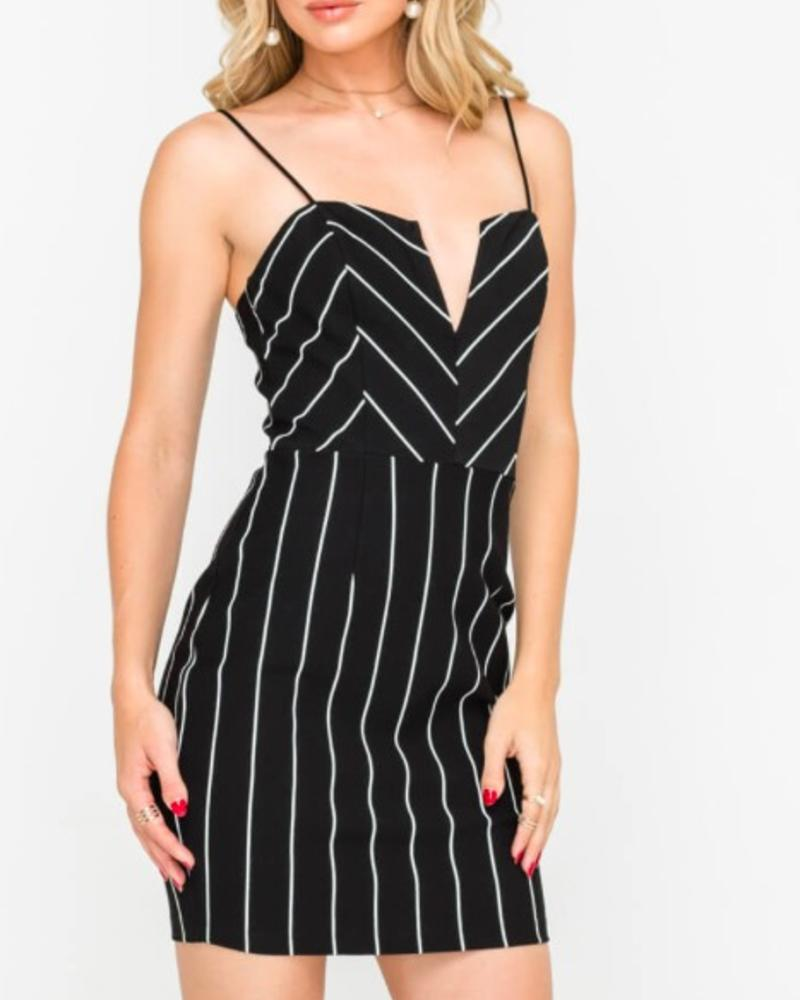 LUSH Notched Sweetheart Cocktail Mini Dress