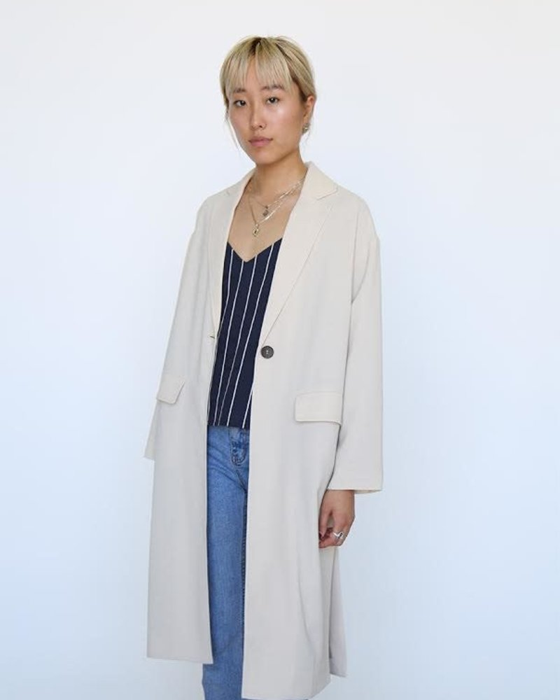 Lightweight Coat w/ Side Detail