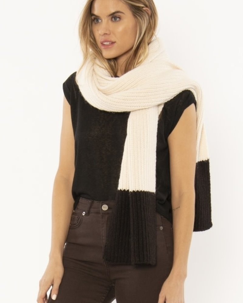 Cozy Up Scarf | Black