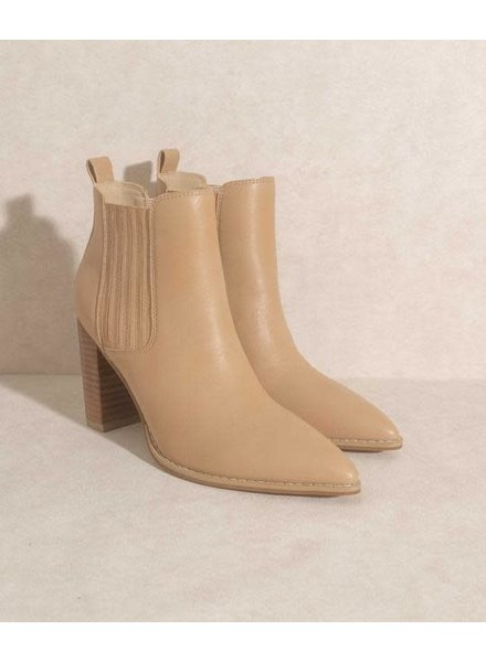 The Finley Nude   Stacked  Heel