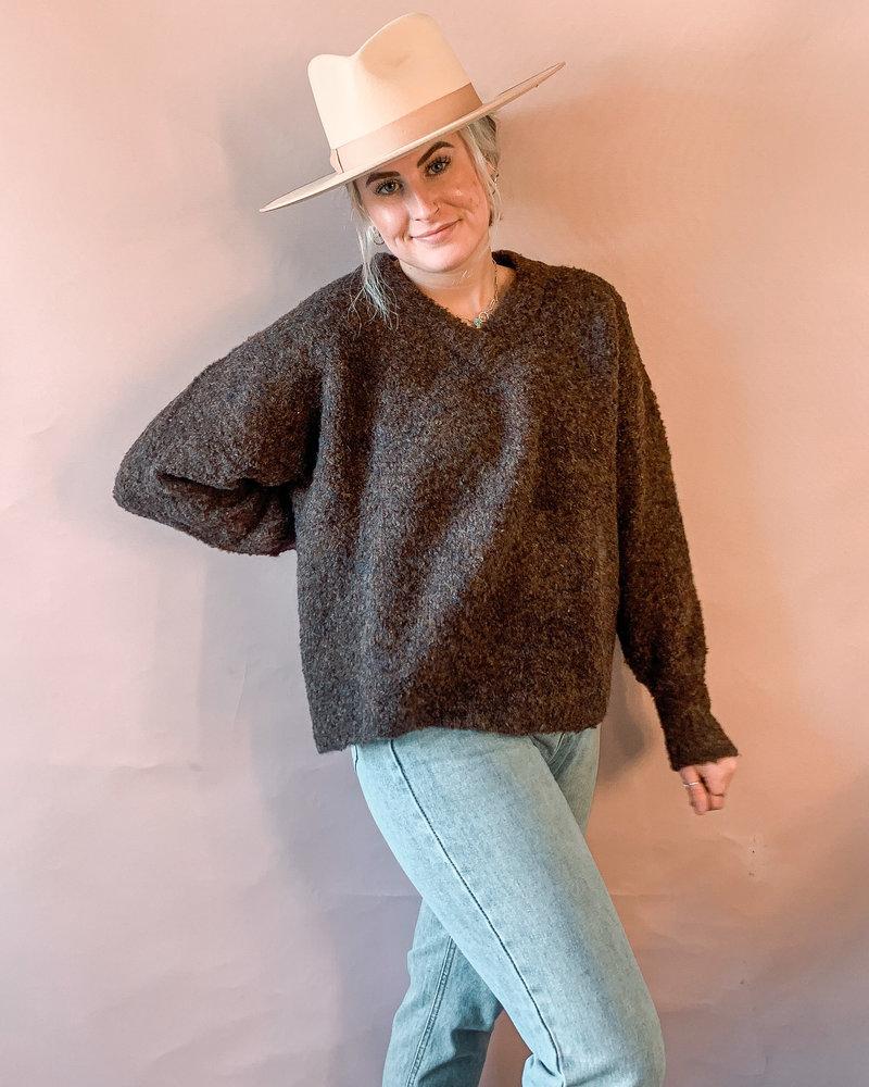 Annette V-Neck Pullover