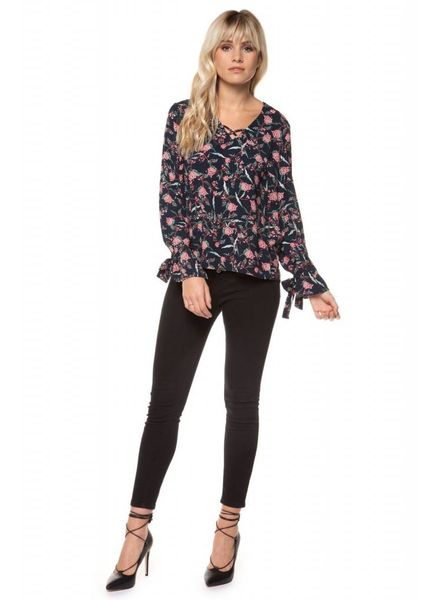 Black Tape/Dex Floral V-Neck Printed Top