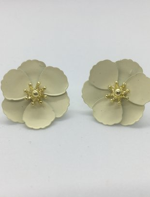 Sooley Designs Small Jasmine Flower Earrings
