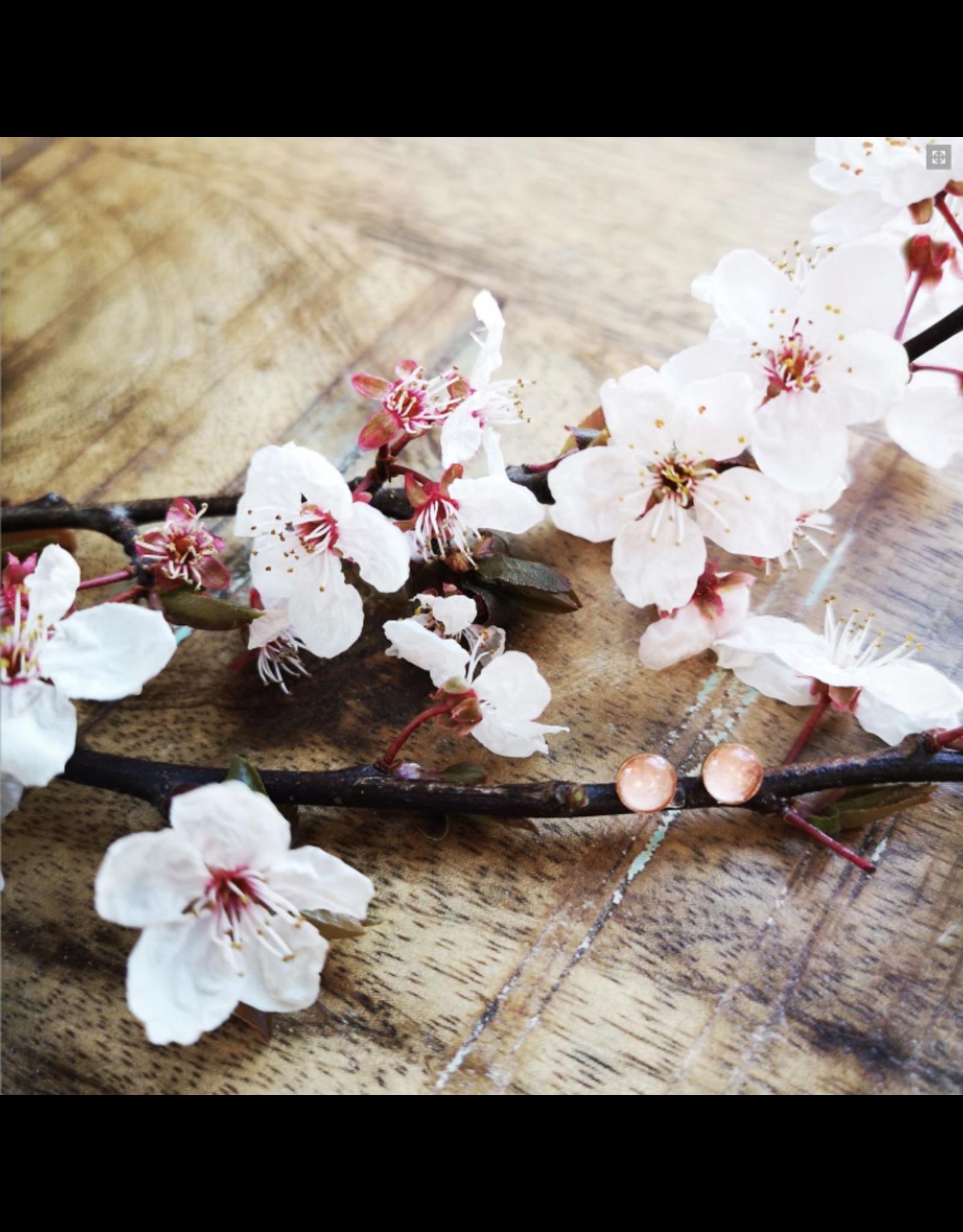 Boucles d'Oreilles Plaqué Or 5mm Fleur de Cerisier de B.C - VCB0505G