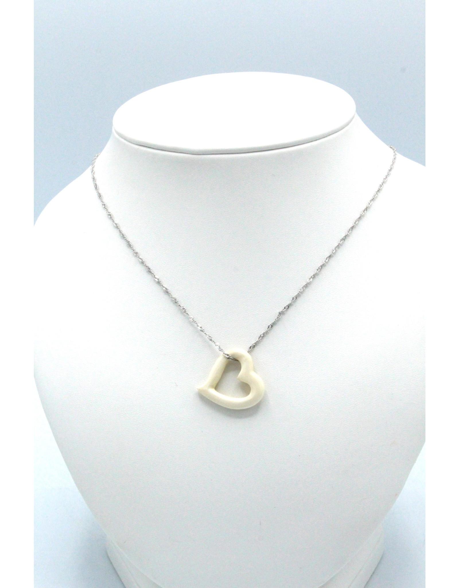Collier en ivoire de mammouth en coeur  - MPS117