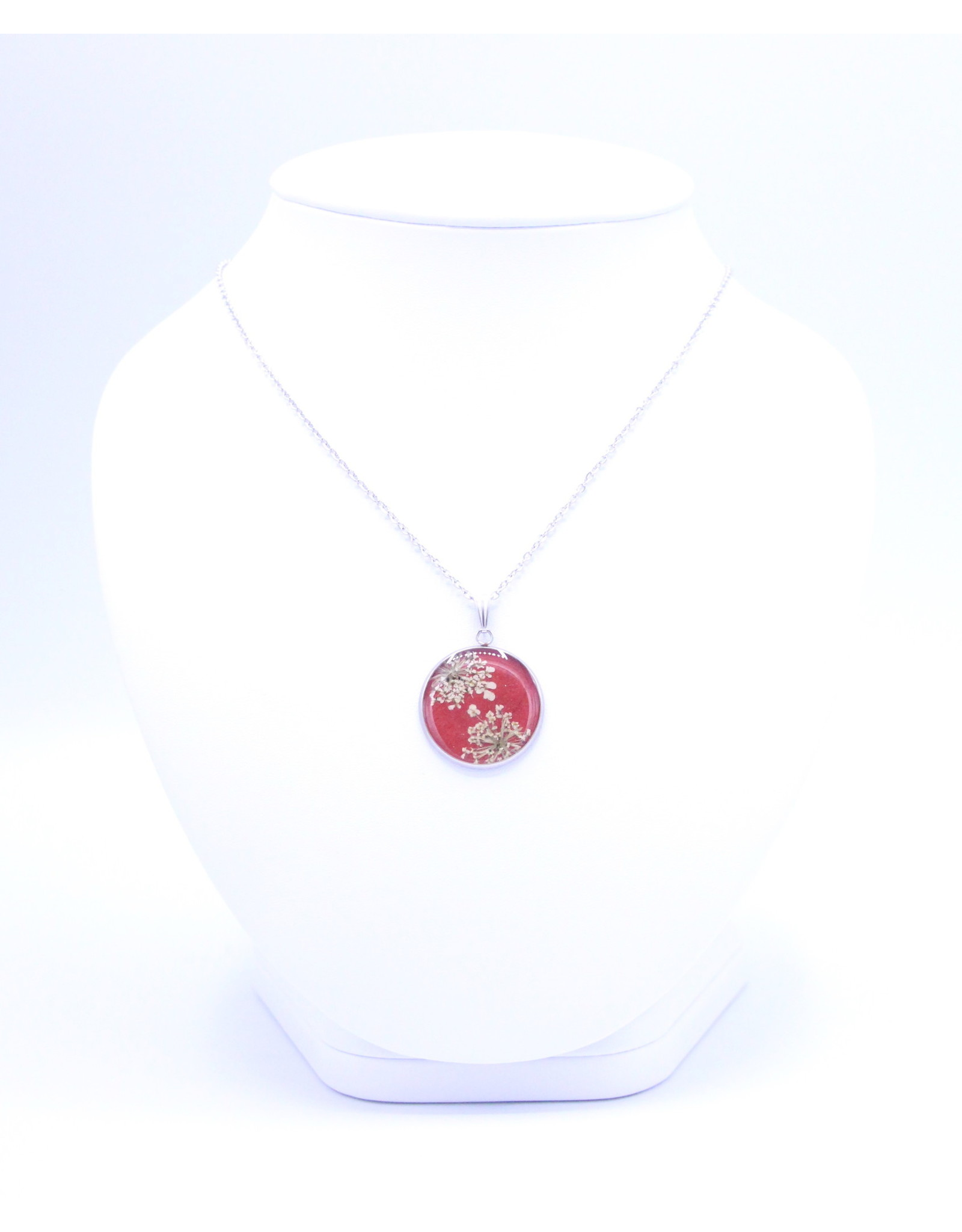 25mm Queen Anne's Lace Necklace Red - N25QAR1
