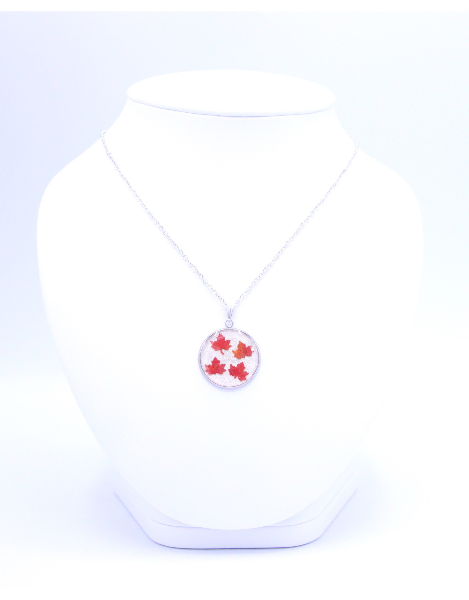 25mm Maple Leaf Necklace White - N25MLW2