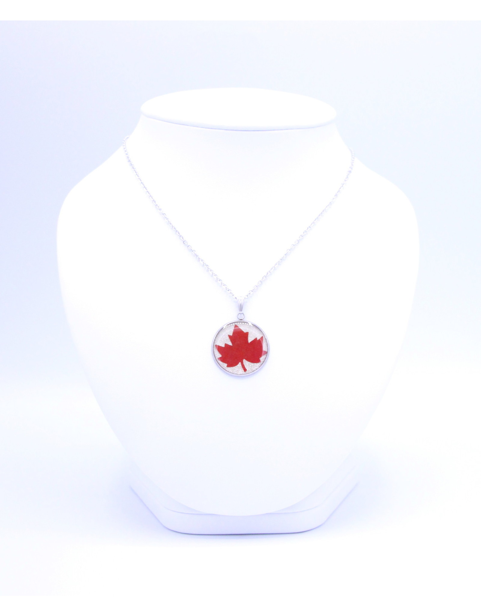 25mm Maple Leaf Necklace White - N25MLW3