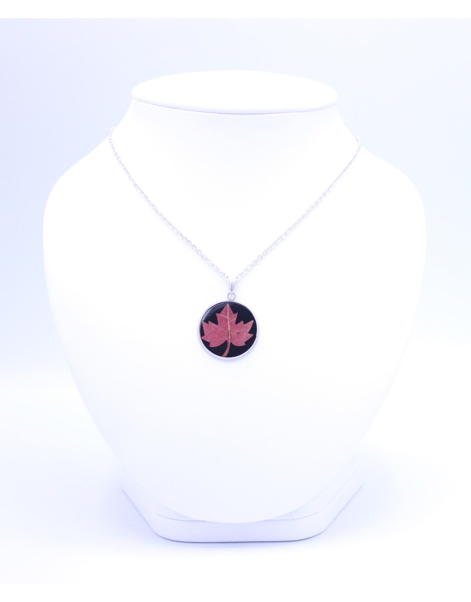 25mm Maple Leaf Necklace Black - N25MLB1