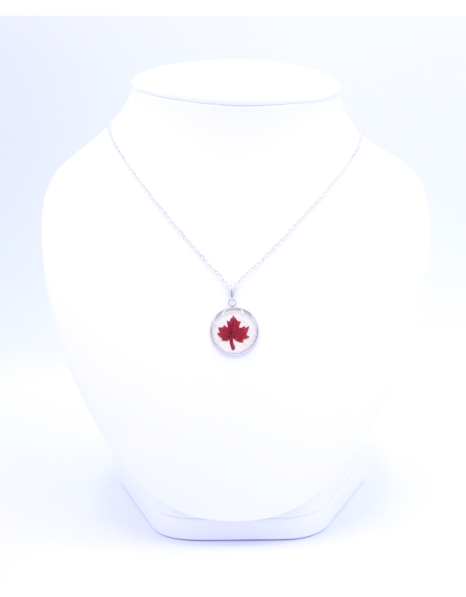 20mm Maple Leaf Necklace White - N20MPW1