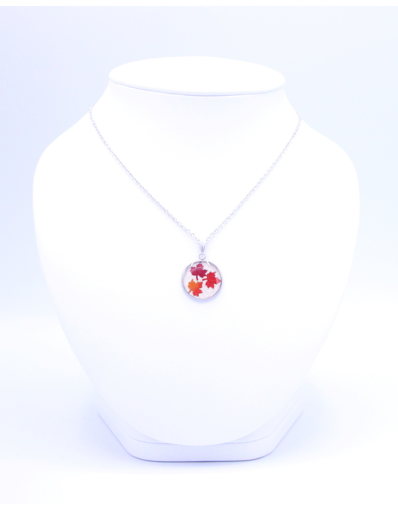 20mm Maple Leaf Necklace White - N20MLW3