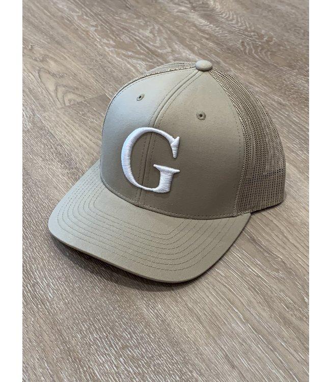 GLORIUS G CAP-WHITE ON BEIGE